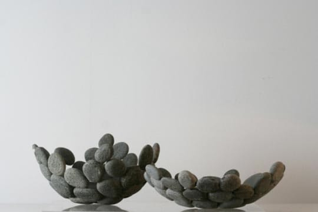 Pebble and Stone Crafts - Pebble Bowl - DIY Ideas Using Rocks, Stones and Pebble Art - Mosaics, Craft Projects, Home Decor, Furniture and DIY Gifts You Can Make On A Budget #crafts