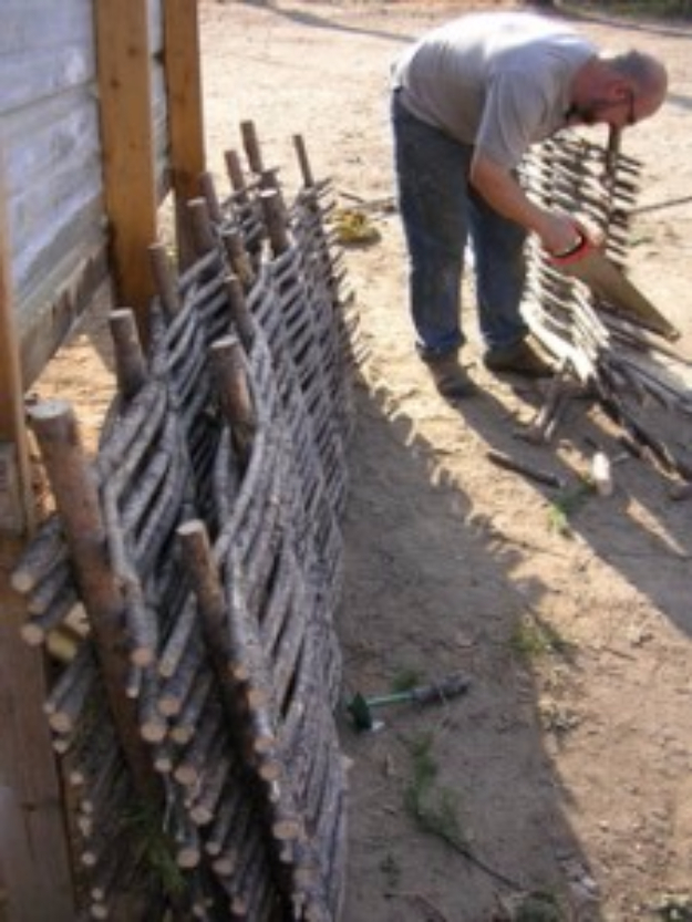 DIY Fences and Gates - Pine Wattle Fencing - How To Make Easy Fence and Gate Project for Backyard and Home - Step by Step Tutorial and Ideas for Painting, Updating and Making Fences and DIY Gate - Cool Outdoors and Yard Projects http://diyjoy.com/diy-fences- gates
