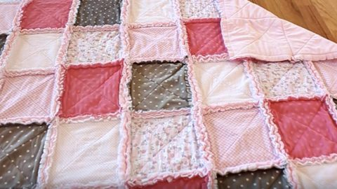 A Terrific Quilt Tutorial For A Beginner, But An All Time Favorite For So Many! | DIY Joy Projects and Crafts Ideas