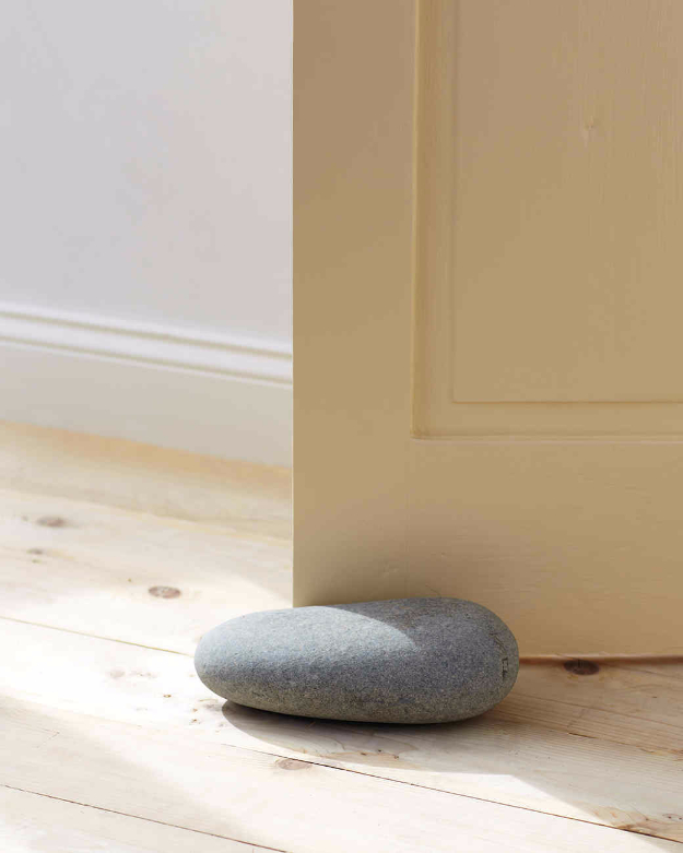 Pebble and Stone Crafts - Rock Solid Doorstop - DIY Ideas Using Rocks, Stones and Pebble Art - Mosaics, Craft Projects, Home Decor, Furniture and DIY Gifts You Can Make On A Budget #crafts