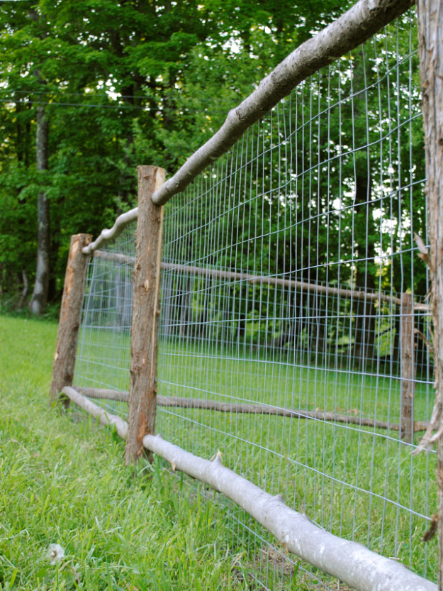 DIY Fences and Gates - Rustic Garden Fence - How To Make Easy Fence and Gate Project for Backyard and Home - Step by Step Tutorial and Ideas for Painting, Updating and Making Fences and DIY Gate - Cool Outdoors and Yard Projects