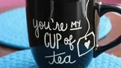 A Fun DIY Project And Gift Idea–All You Need Is A Sharpie And A Mug! | DIY Joy Projects and Crafts Ideas