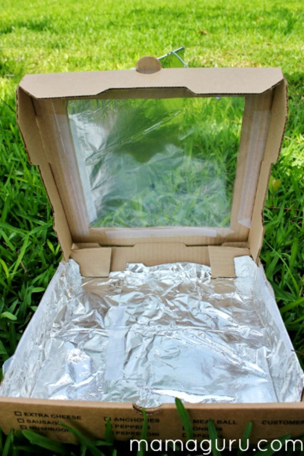DIY Solar Powered Projects - Solar Oven - Easy Solar Crafts and DYI Ideas for Making Solar Power Things You Can Use To Save Energy - Step by Step Tutorials for Making Things Without Batteries - DIY Projects and Crafts for Men and Women