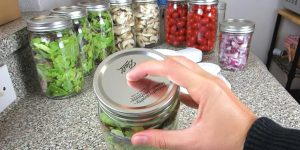 Cool Mason Jar Hack Keeps Produce Fresh For A Week