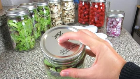 Cool Mason Jar Hack Keeps Produce Fresh For A Week | DIY Joy Projects and Crafts Ideas