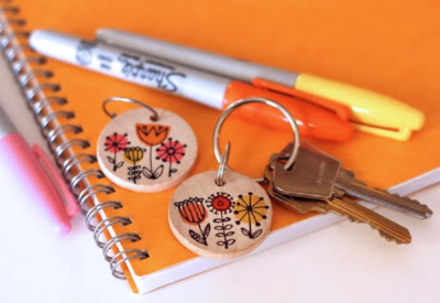 DIY Sharpie Crafts - Wooden Disks And Sharpies - Cool and Easy Craft Projects and DIY Ideas Using Sharpies - Use Markers To Decorate and Design Home Decor, Cool Homemade Gifts, T-Shirts, Shoes and Wall Art. Creative Project Tutorials for Teens, Kids and Adults http://diyjoy.com/diy-sharpie-crafts