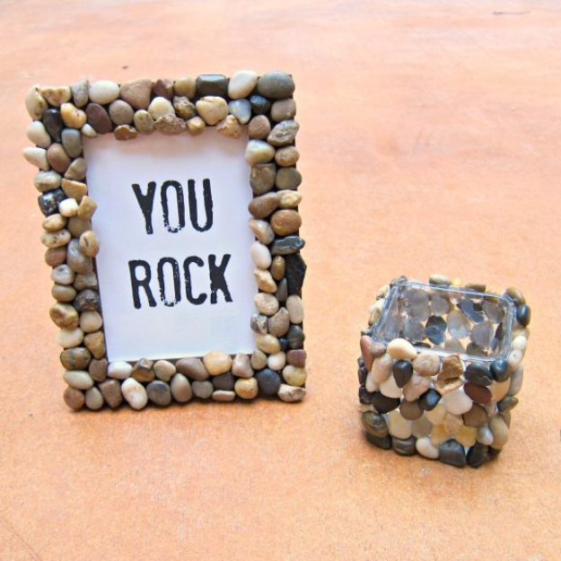 Pebble and Stone Crafts - You Rock Frame - DIY Ideas Using Rocks, Stones and Pebble Art - Mosaics, Craft Projects, Home Decor, Furniture and DIY Gifts You Can Make On A Budget http://diyjoy.com/diy-pebble-stone-crafts