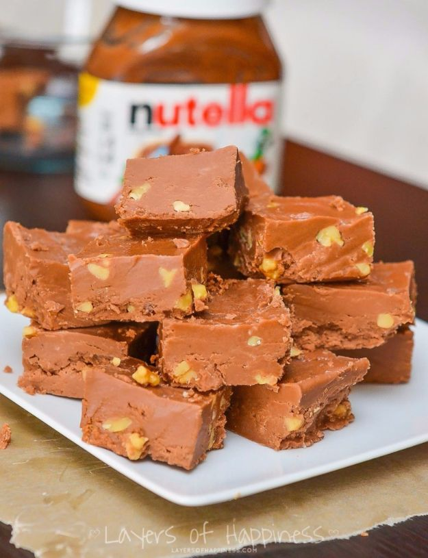 Easy Snacks You Can Make In Minutes - 5-Minute Microwave Nutella Fudge - Quick Recipes and Tricks for Making After Workout and After School Snack - Fast Ideas for Instant Small Meals and Treats - No Bake, Microwave and Simple Prep Makes Snacking Fun #snacks #recipes