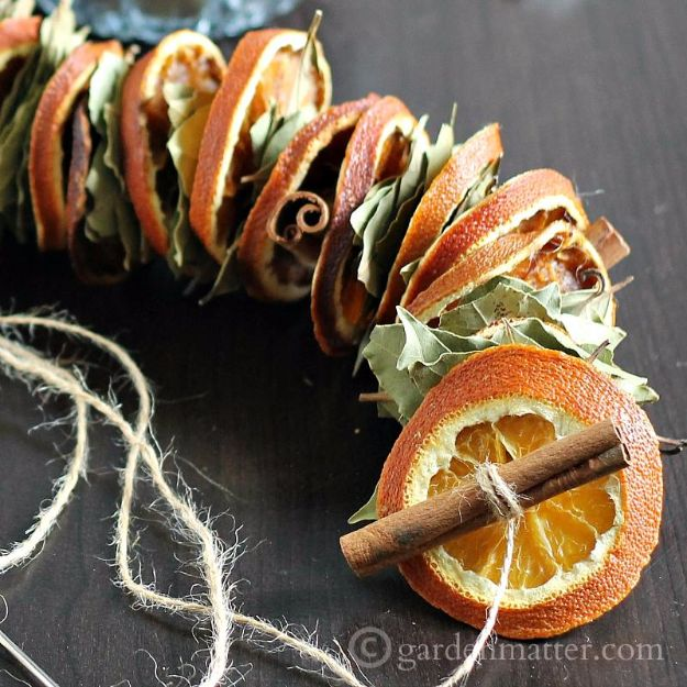 DIY Ideas with Dried Herbs - DIY Dried Orange Garland With Dried Herbs - Creative Home Decor With Easy Step by Step Tutorials for Making Herb Crafts, Projects and Recipes - Cool DIY Gift Ideas and Cheap Homemade Gifts - DIY Projects and Crafts by DIY JOY #diy #herbs #gifts