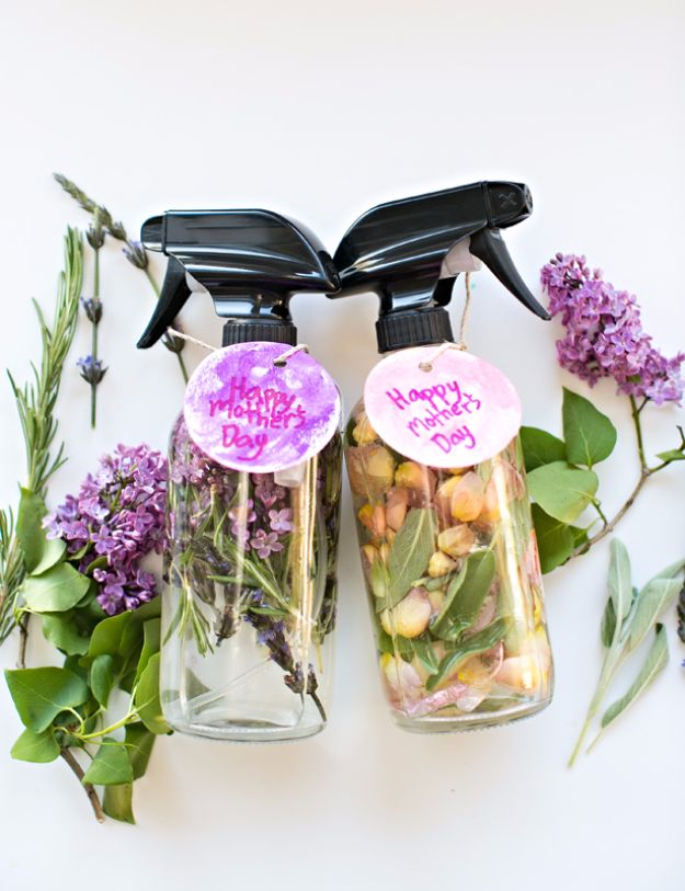 DIY Mothers Day Gift Ideas - DIY Mother's Day Floral Herb Perfume - Homemade Gifts for Moms - Crafts and Do It Yourself Home Decor, Accessories and Fashion To Make For Mom - Mothers Love Handmade Presents on Mother's Day - DIY Projects and Crafts by DIY JOY http://diyjoy.com/diy-mothers-day-gifts