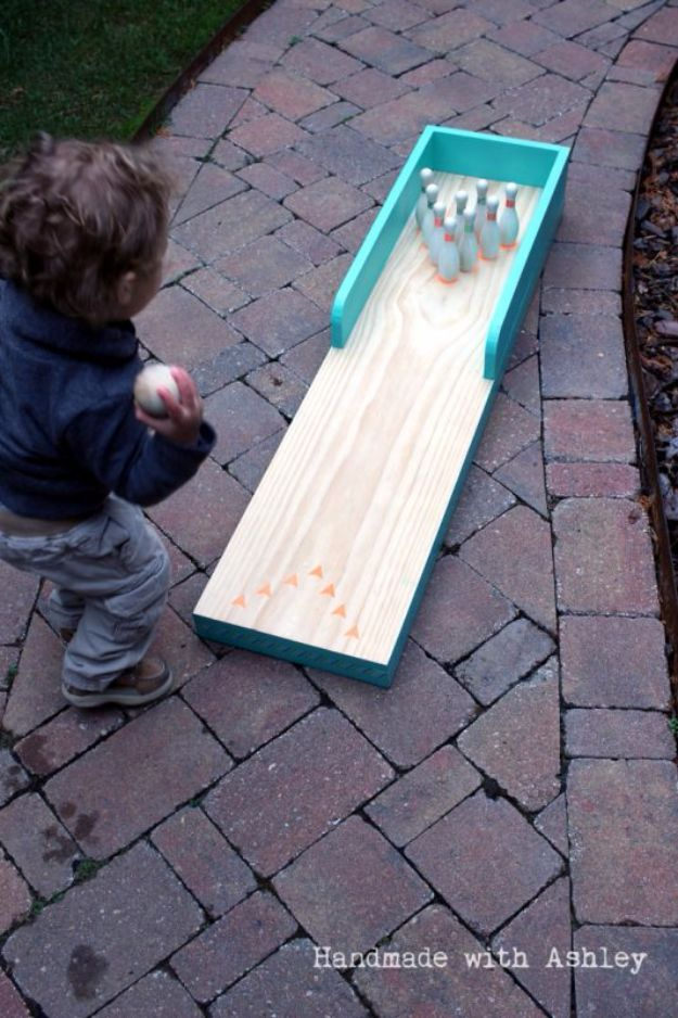 Best DIY Backyard Games - DIY Outdoor Bowling Lane - Cool DIY Yard Game Ideas for Adults, Teens and Kids - Easy Tutorials for Cornhole, Washers, Jenga, Tic Tac Toe and Horseshoes - Cool Projects for Outdoor Parties and Summer Family Fun Outside #diy #backyard #kids #games
