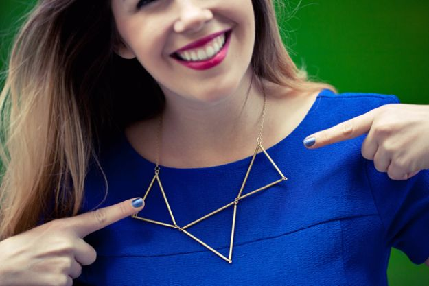 DIY Necklace Ideas - DIY Triangle Necklace - Easy Handmade Necklaces with Step by Step Tutorials - Pendant, Beads, Statement, Choker, Layered Boho, Chain and Simple Looks - Creative Jewlery Making Ideas for Women and Teens, Girls - Crafts and Cool Fashion Ideas for Women, Teens and Teenagers #necklaces #diyjewelry #jewelrymaking #teencrafts