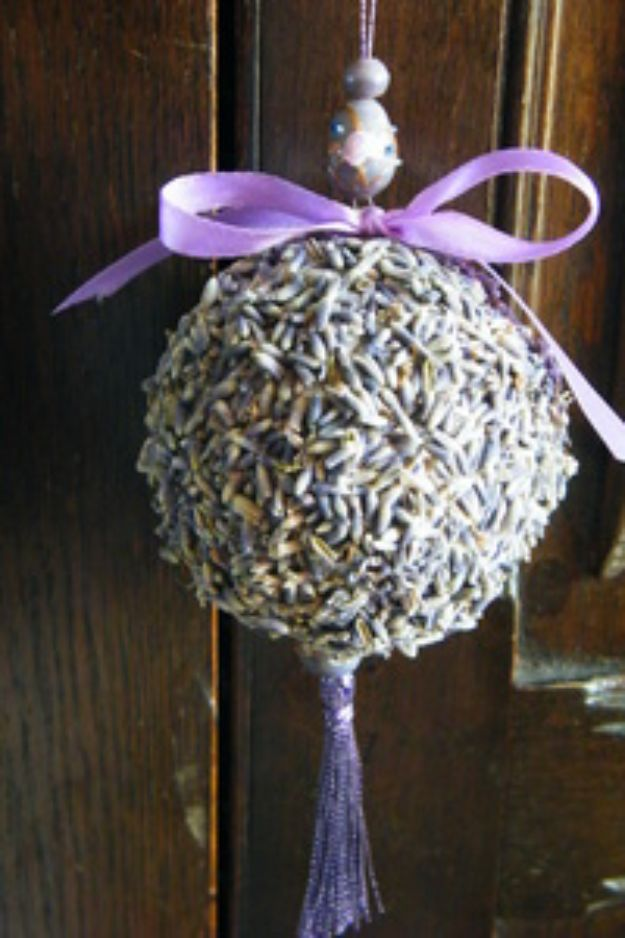 DIY Ideas with Dried Herbs - Dried Lavender Pomander - Creative Home Decor With Easy Step by Step Tutorials for Making Herb Crafts, Projects and Recipes - Cool DIY Gift Ideas and Cheap Homemade Gifts - DIY Projects and Crafts by DIY JOY #diy #herbs #gifts