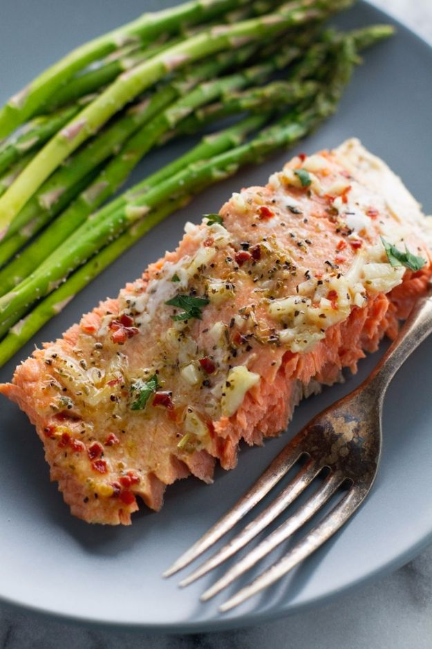 Best Easter Dinner Recipes - Garlic Butter Baked Salmon In Foil - Easy Recipe Ideas for Easter Dinners and Holiday Meals for Families - Side Dishes, Slow Cooker Recipe Tutorials, Main Courses, Traditional Meat, Vegetable and Dessert Ideas - Desserts, Pies, Cakes, Ham and Beef, Lamb - DIY Projects and Crafts by DIY JOY http://diyjoy.com/easter-dinner-recipes