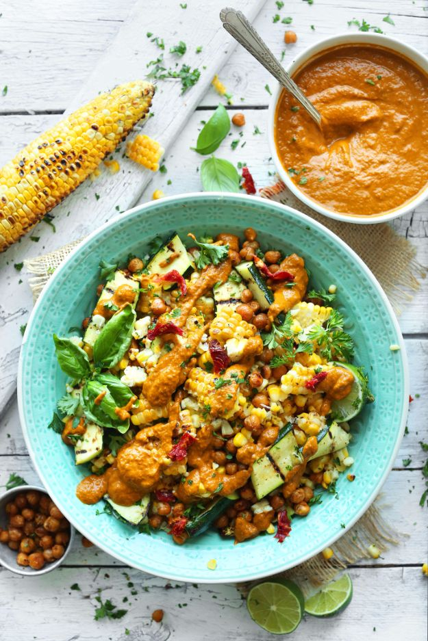 Best Dinner Salad Recipes - Grilled Corn & Zucchini Salad With Sun Dried Tomato Vinaigrette - Easy Salads to Make for Quick and Healthy Dinners - Healthy Chicken, Egg, Vegetarian, Steak and Shrimp Salad Ideas - Summer Side Dishes, Hearty Filling Meals, and Low Carb Options #saladrecipes #dinnerideas #salads #healthyrecipes