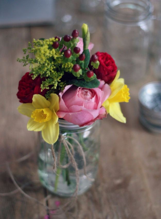 DIY Outdoors Wedding Ideas - Hanging Mason Jar Flower Vases - Step by Step Tutorials and Projects Ideas for Summer Brides - Lighting, Mason Jar Centerpieces, Table Decor, Party Favors, Guestbook Ideas, Signs, Flowers, Banners, Tablecloth #wedding #diy