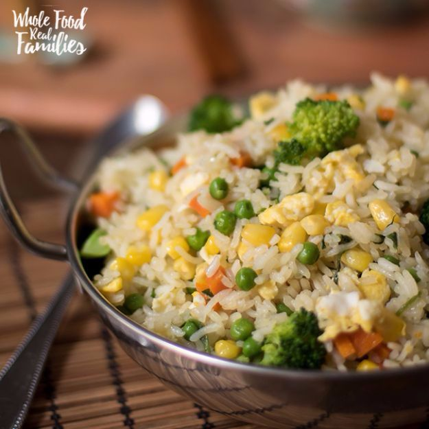 Best Rice Recipes - Healthy Vegetable Fried Rice - Easy Ideas for Quick Meals Made From a Bag of Rice - Healthy Recipes With Brown, White and Arborio Rice - Cheesy, Fried, Asian, Mexican Flavored Dinner Dishes and Side Dishes - DIY Projects and Crafts by DIY JOY http://diyjoy.com/best-rice-recipes