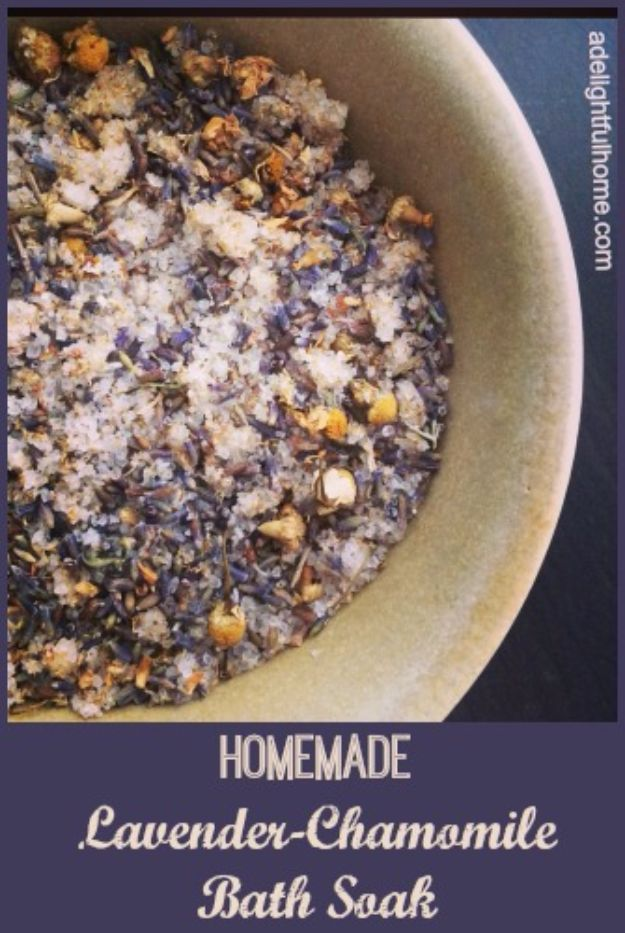 DIY Lavender Recipes and Project Ideas - Lavender Chamomile Bath Soak - Food, Beauty, Baking Tutorials, Desserts and Drinks Made With Fresh and Dried Lavender - Savory Lavender Recipe Ideas, Healthy and Vegan #lavender #diy
