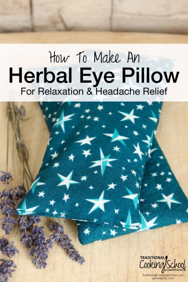 DIY Lavender Recipes and Project Ideas - Lavender Herbal Eye Pillow - Food, Beauty, Baking Tutorials, Desserts and Drinks Made With Fresh and Dried Lavender - Savory Lavender Recipe Ideas, Healthy and Vegan #lavender #diy