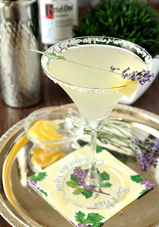 DIY Lavender Recipes and Project Ideas - Lavender Lemonade Martini - Food, Beauty, Baking Tutorials, Desserts and Drinks Made With Fresh and Dried Lavender - Savory Lavender Recipe Ideas, Healthy and Vegan - DIY Projects and Crafts by DIY JOY http://diyjoy.com/diy-projects-lavender-herbs