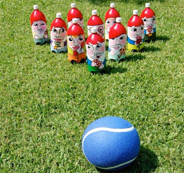 Best DIY Backyard Games - Lawn Bowling Game - Cool DIY Yard Game Ideas for Adults, Teens and Kids - Easy Tutorials for Cornhole, Washers, Jenga, Tic Tac Toe and Horseshoes - Cool Projects for Outdoor Parties and Summer Family Fun Outside #diy #backyard #kids #games