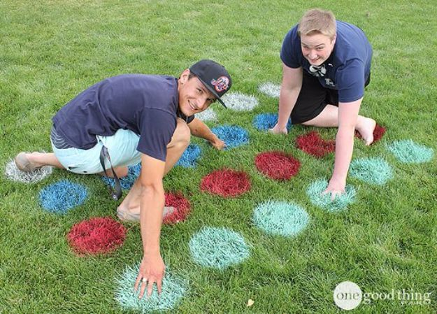 Best DIY Backyard Games - Lawn Twister - Cool DIY Yard Game Ideas for Adults, Teens and Kids - Easy Tutorials for Cornhole, Washers, Jenga, Tic Tac Toe and Horseshoes - Cool Projects for Outdoor Parties and Summer Family Fun Outside #diy #backyard #kids #games