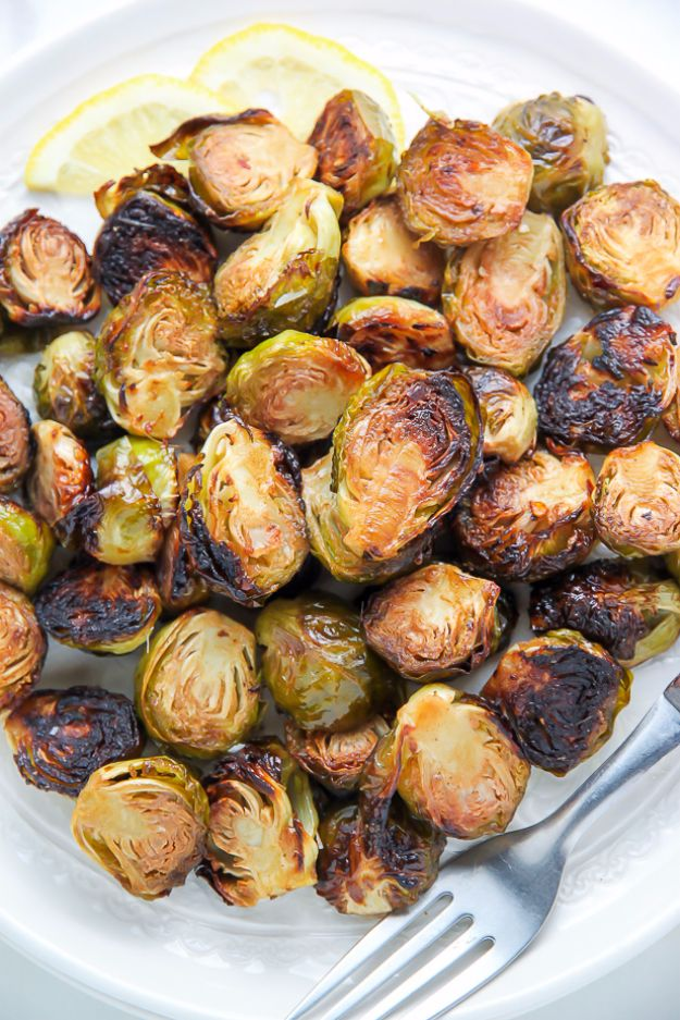Best Brussel Sprout Recipes - Lemon And Garlic Roasted Brussels Sprouts - Easy and Quick Delicious Ideas for Making Brussel Sprouts With Bacon, Roasted, Creamy, Healthy, Baked, Sauteed, Crockpot, Grilled, Shredded and Salad Recipe Ideas #recipes