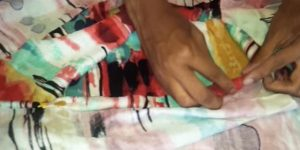 A Beginner At Sewing, She Cuts Her Fabric And Makes A Stylish Item In 5 Minutes (Watch!)