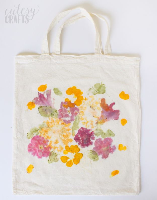 DIY Mothers Day Gift Ideas - Pounded Flower Tote - Homemade Gifts for Moms - Crafts and Do It Yourself Home Decor, Accessories and Fashion To Make For Mom - Mothers Love Handmade Presents on Mother's Day - DIY Projects and Crafts by DIY JOY