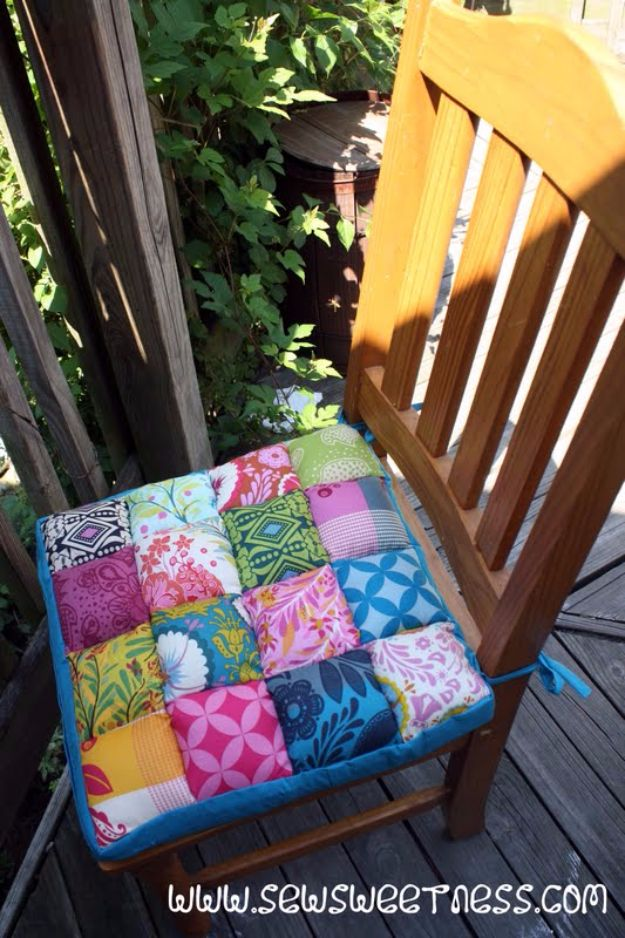 Sewing Projects for The Patio - Quilted Chair Cushions - Step by Step Instructions and Free Patterns for Cushions, Pillows, Seating, Sofa and Outdoor Patio Decor - Easy Sewing Tutorials for Beginners - Creative and Cheap Outdoor Ideas for Those Who Love to Sew - DIY Projects and Crafts by DIY JOY #diydecor #diyhomedecor #sewing
