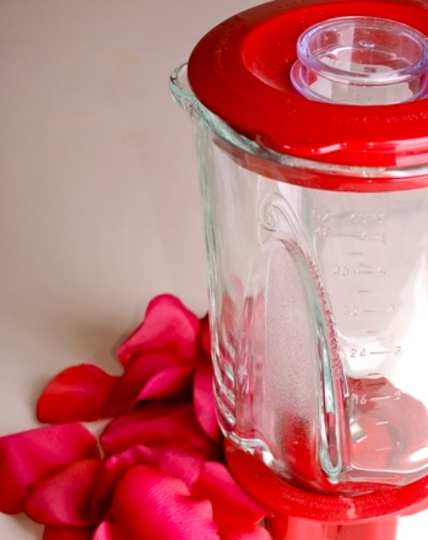 DIY Ideas With Rose Petals - Rose Petal Beads - Crafts and DIY Projects, Recipes You Can Make With Rose Petals - Creative Home Decor and Gift Ideas Make Awesome Mothers Day and Christmas Gifts - Crafts and Do It Yourself by DIY JOY http://diyjoy.com/diy-ideas-rose-petals