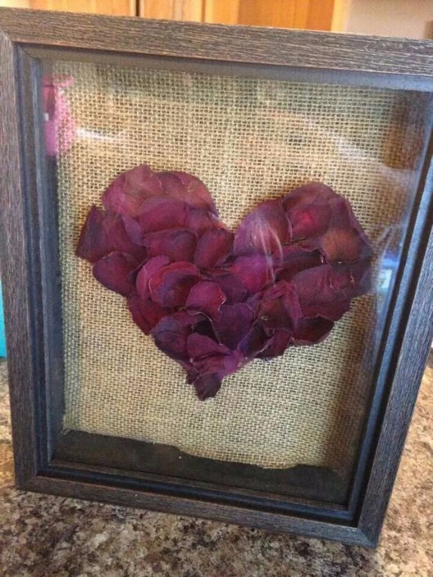 DIY Ideas With Rose Petals - Rose Petal Shadow Box - Crafts and DIY Projects, Recipes You Can Make With Rose Petals - Creative Home Decor and Gift Ideas Make Awesome Mothers Day and Christmas Gifts - Crafts and Do It Yourself by DIY JOY #rosecrafts #diygifts