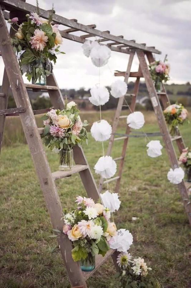 DIY Outdoors Wedding Ideas - Rustic Swing Decor - Step by Step Tutorials and Projects Ideas for Summer Brides - Lighting, Mason Jar Centerpieces, Table Decor, Party Favors, Guestbook Ideas, Signs, Flowers, Banners, Tablecloth #wedding #diy