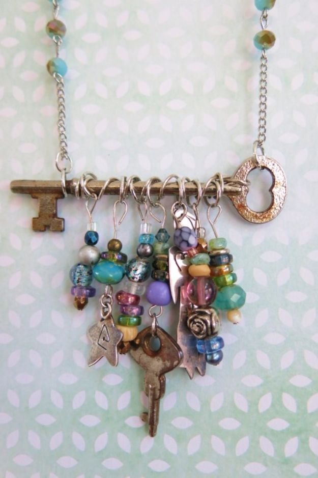 DIY Necklace Ideas - Skeleton Key And Bead Necklace - Easy Handmade Necklaces with Step by Step Tutorials - Pendant, Beads, Statement, Choker, Layered Boho, Chain and Simple Looks - Creative Jewlery Making Ideas for Women and Teens, Girls - Crafts and Cool Fashion Ideas for Women, Teens and Teenagers http://diyjoy.com/diy-necklaces