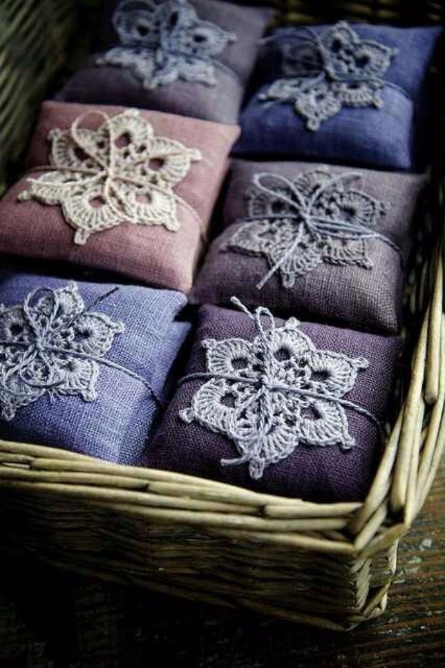 DIY Lavender Recipes and Project Ideas - Sweet Lavender Sachets - Food, Beauty, Baking Tutorials, Desserts and Drinks Made With Fresh and Dried Lavender - Savory Lavender Recipe Ideas, Healthy and Vegan #lavender #diy