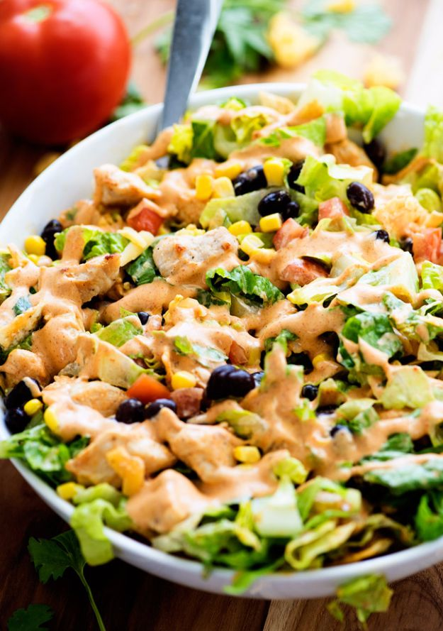Best Dinner Salad Recipes - Tex-Mex Chicken Chopped Salad - Easy Salads to Make for Quick and Healthy Dinners - Healthy Chicken, Egg, Vegetarian, Steak and Shrimp Salad Ideas - Summer Side Dishes, Hearty Filling Meals, and Low Carb Options http://diyjoy.com/dinner-salad-recipes