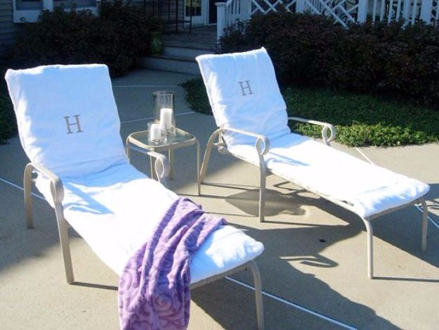 33 creative sewing projects for your patio diy joy for Beach towel chaise lounge cover