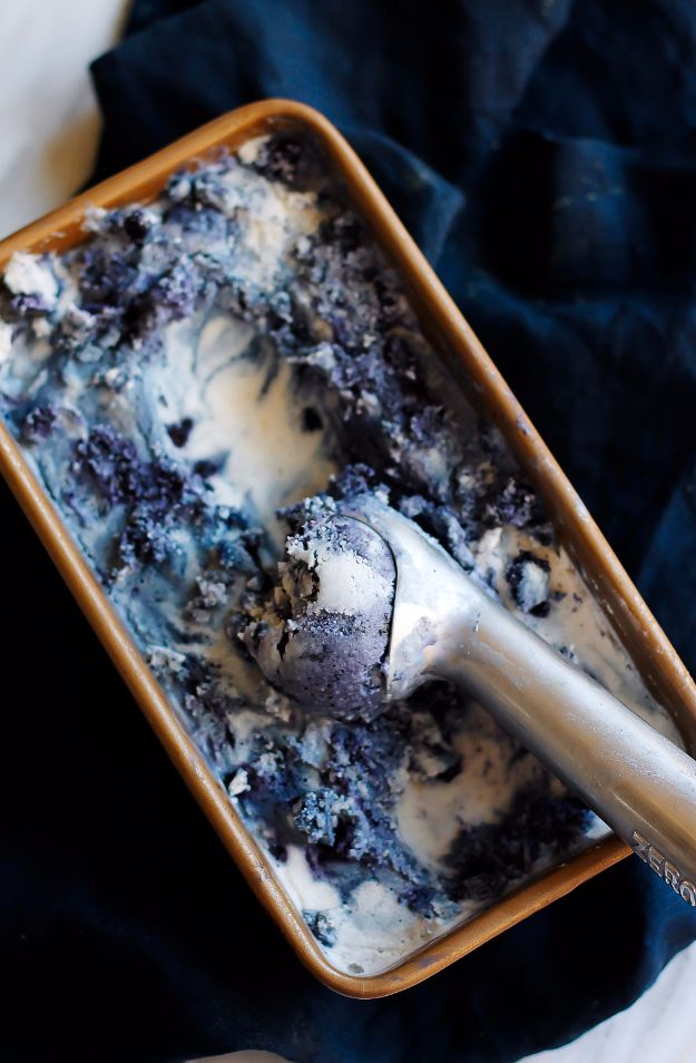 DIY Lavender Recipes and Project Ideas - Wild Blueberry Lavender Coconut Ice Cream - Food, Beauty, Baking Tutorials, Desserts and Drinks Made With Fresh and Dried Lavender - Savory Lavender Recipe Ideas, Healthy and Vegan #lavender #diy