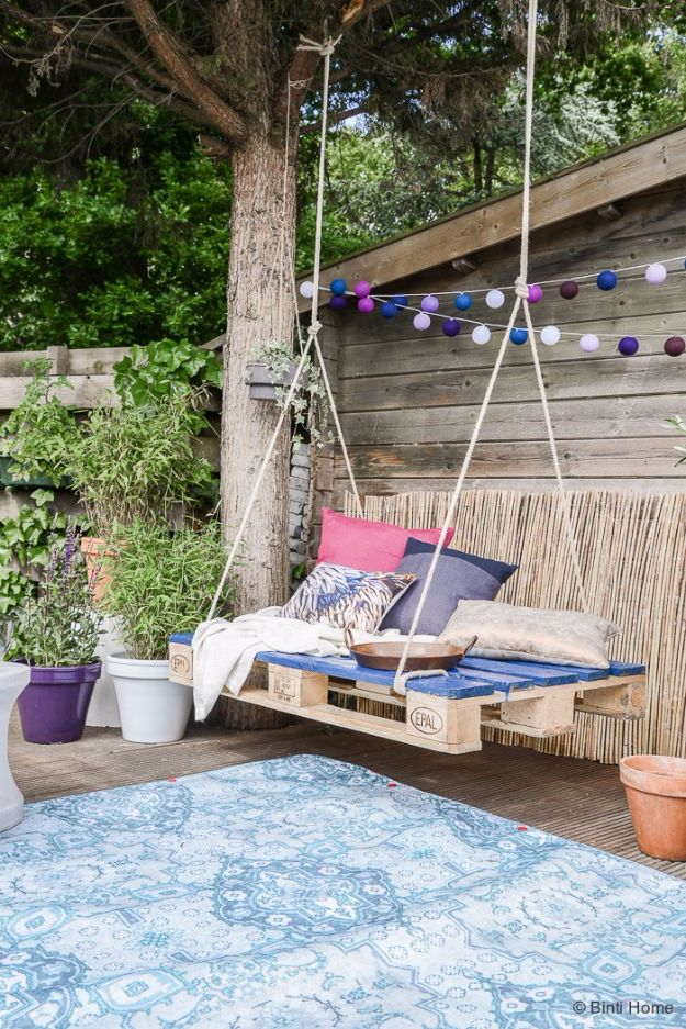 DIY Swings - Bohemian Pallet Swing - Best Do It Yourself Swing Projects and Tutorials for Tire, Rocking, Hanging, Double Seat, Porch, Patio and Yard. Easy Ideas for Kids and Adults - Make The Best Backyard Ever This Summer With These Awesome Seating and Play Ideas for Swings - Creative Home Decor and Crafts by DIY JOY