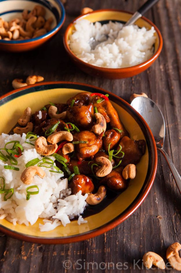 Best Coca Cola Recipes - Coca Cola Chicken With Cashew Nuts - Make Awesome Coke Chicken, Coca Cola Cake, Meatballs, Sodas, Drinks, Sweets, Dinners, Meat, Slow Cooker and Recipe Ideas #cocacola #recipes #desserts