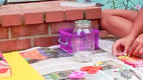 Crayon Drip Art Is Cool, But What Happens When You Add A Mason Jar To The Mix Is Unbelievable! | DIY Joy Projects and Crafts Ideas