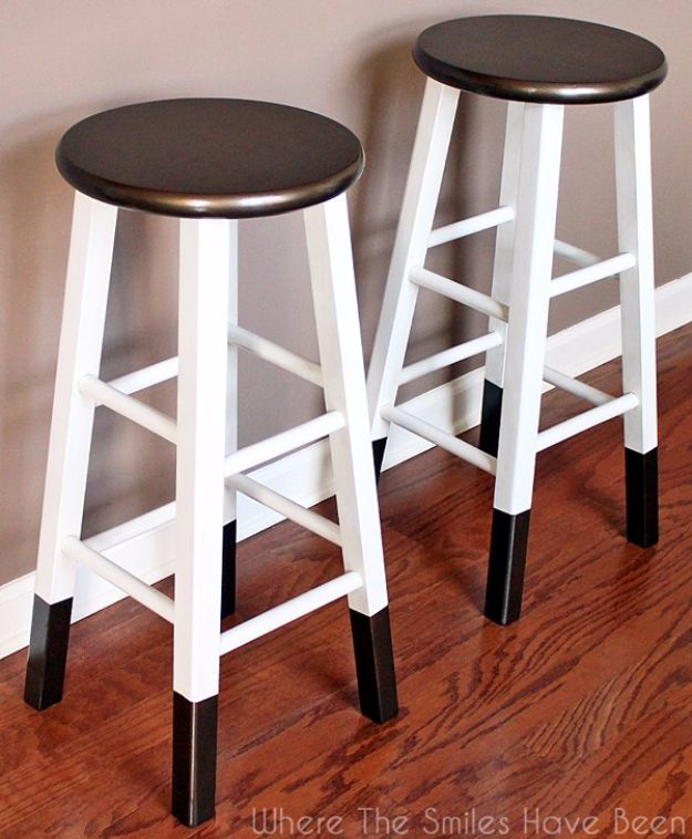 diy barstools - DIY Bronze Dipped Bar Stool - Easy and Cheap Ideas for Seating and Creative Home Decor - Do It Yourself Bar Stools for Modern, Rustic, Farmhouse, Shabby Chic, Industrial and Simple Classic Decor #barstools #diy