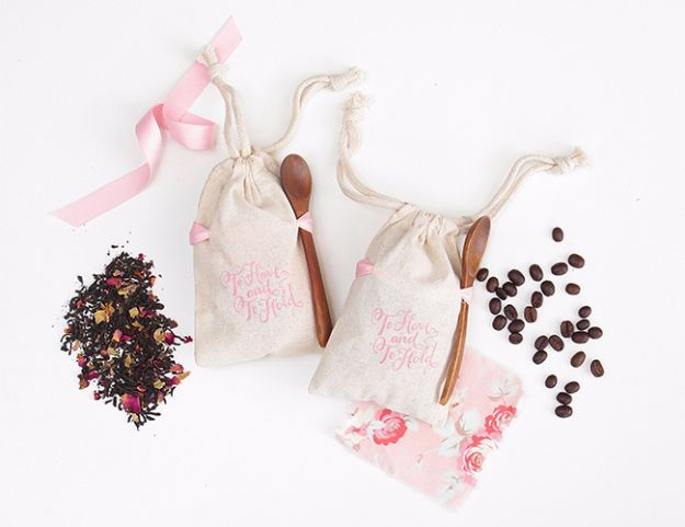 DIY Wedding Favors - DIY Coffee Bean Wedding Favors - Do It Yourself Ideas for Brides and Best Wedding Favor Ideas for Weddings - cheap wedding favor ideas #wedding #diy