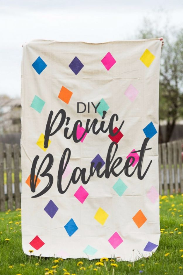 DIY Picnic Ideas - DIY Geometric Picnic Blanket - Cool Recipes and Tips for Picnics and Meals Outdoors - Recipes, Easy Sandwich Wraps, Blankets, Baskets and Carriers to Make for Fun Family Outings and Romantic Date Ideas - Mason Jar Drinks, Snack Holders, Utensil Caddy and Picnic Hacks