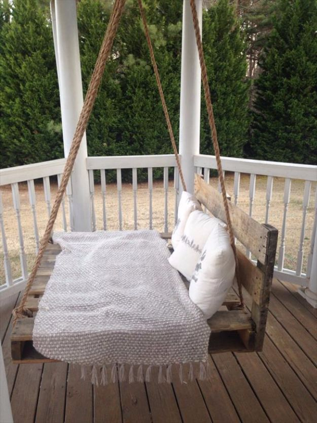 DIY Swings - DIY Pallet Swing Bed - Best Do It Yourself Swing Projects and Tutorials for Tire, Rocking, Hanging, Double Seat, Porch, Patio and Yard. Easy Ideas for Kids and Adults - Make The Best Backyard Ever This Summer With These Awesome Seating and Play Ideas for Swings - Creative Home Decor and Crafts by DIY JOY