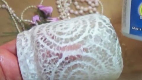For A Stunning Shabby Chic Look She Puts Lace On A Mason Jar And What She Adds Next Is Magical! | DIY Joy Projects and Crafts Ideas