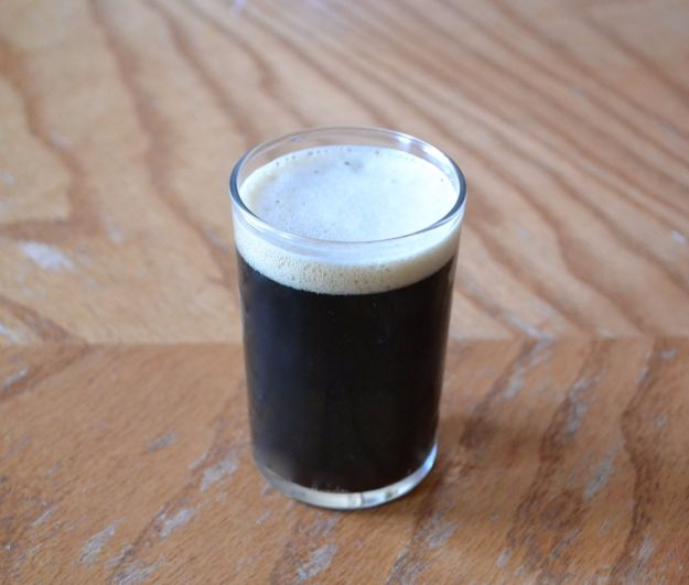 Best Homemade Beer Recipes - Homemade Irish Stout - Easy Homebrew Drinks and Brewing Tutorials for Craft Beers Made at Home - IPA, Summer, Red, Lager and Ales - Instructions and Step by Step Tutorials for Making Beer at Home http://diyjoy.com/homemade-beer-recipes