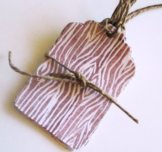 Homemade Gift Cards and Tags - Lino-Cut Wood Pattern Gift Tag - Easy and Cheap Ideas for Creative Handmade Birthday, Christmas, Mothers Day and Father Day Cards - Cute Holiday Gift Tags, Dollar Store Crafts, Homemade DIY Gifts and Gift Card Holders You Can Make at Home - Fun Crafts for Adults, Kids and Teens http://diyjoy.com/homemade-gift-cards-tags