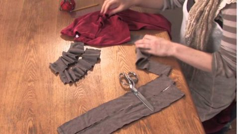 Watch How She Cleverly Repurposes Two T-Shirts Into One! | DIY Joy Projects and Crafts Ideas