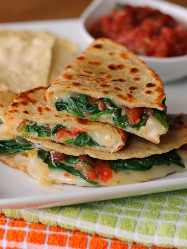 Best Spinach Recipes - Spicy Spinach Quesadillas - Easy, Healthy Lowfat Recipe Ideas for Dinner, Salads, Lunches, Sides, Smoothies and Even Dessert - Qucik and Creative Ideas for Vegetables - Cheesy, Creamed, Country Style Favorites for Family and For Kids http://diyjoy.com/best-spinach-recipes